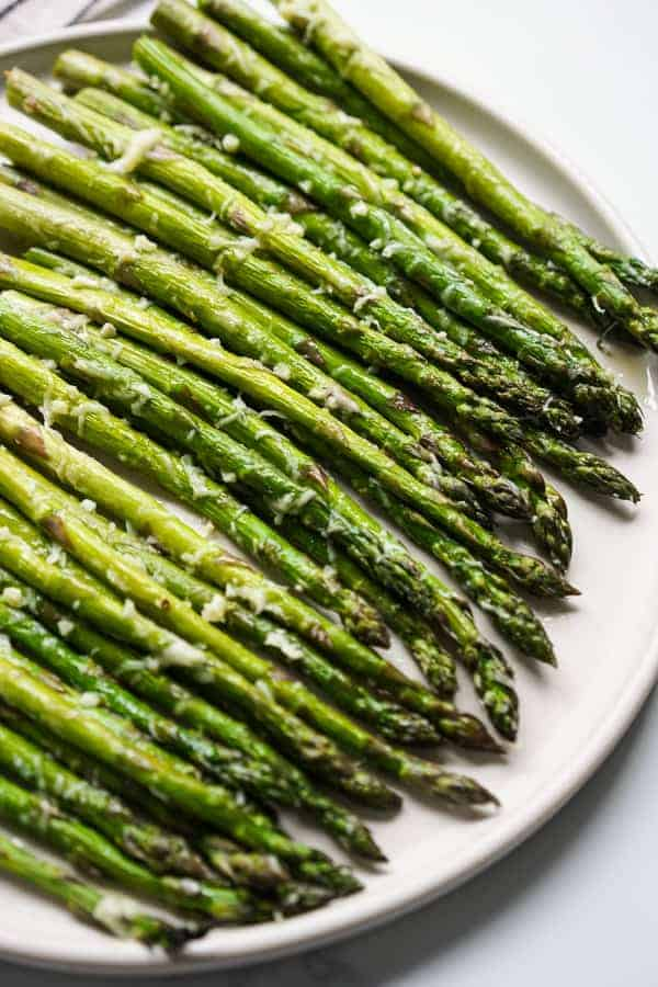 Close up of Garlic Parmesan Asparagus