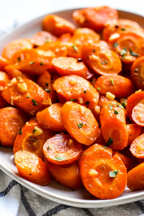 A plate of Garlic Honey Roasted Carrots