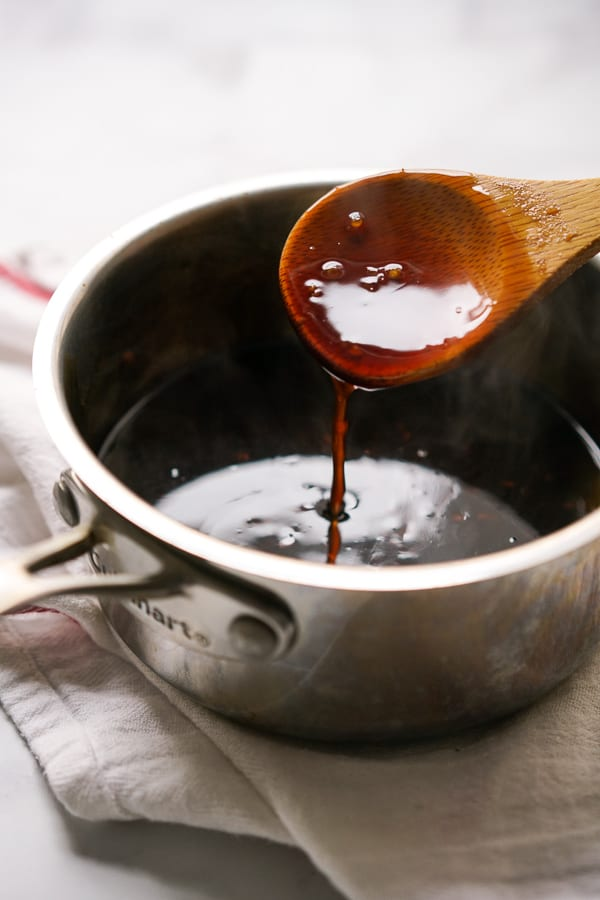 Making Asian sauce for rubs